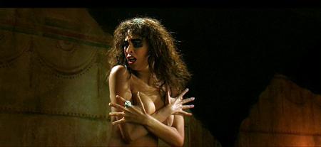 <em>A nerd saw me naked!!</em>