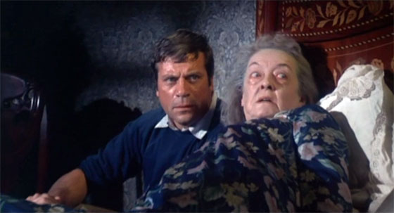Burnt Offerings - Oliver Reed and Bette Davis