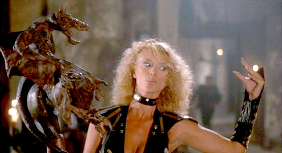 Howling 2 - Sybil and Bat